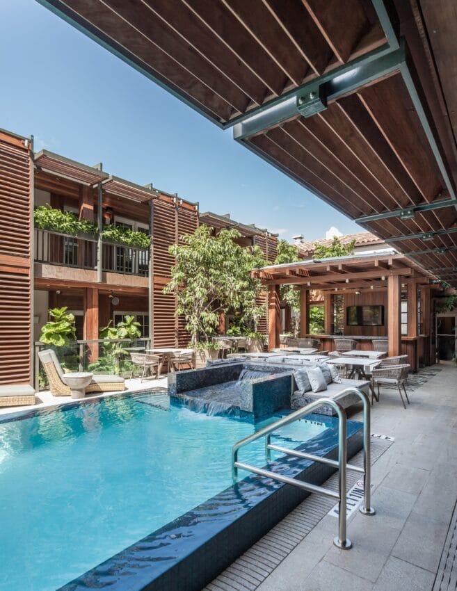Lennox Hotel Pool 2