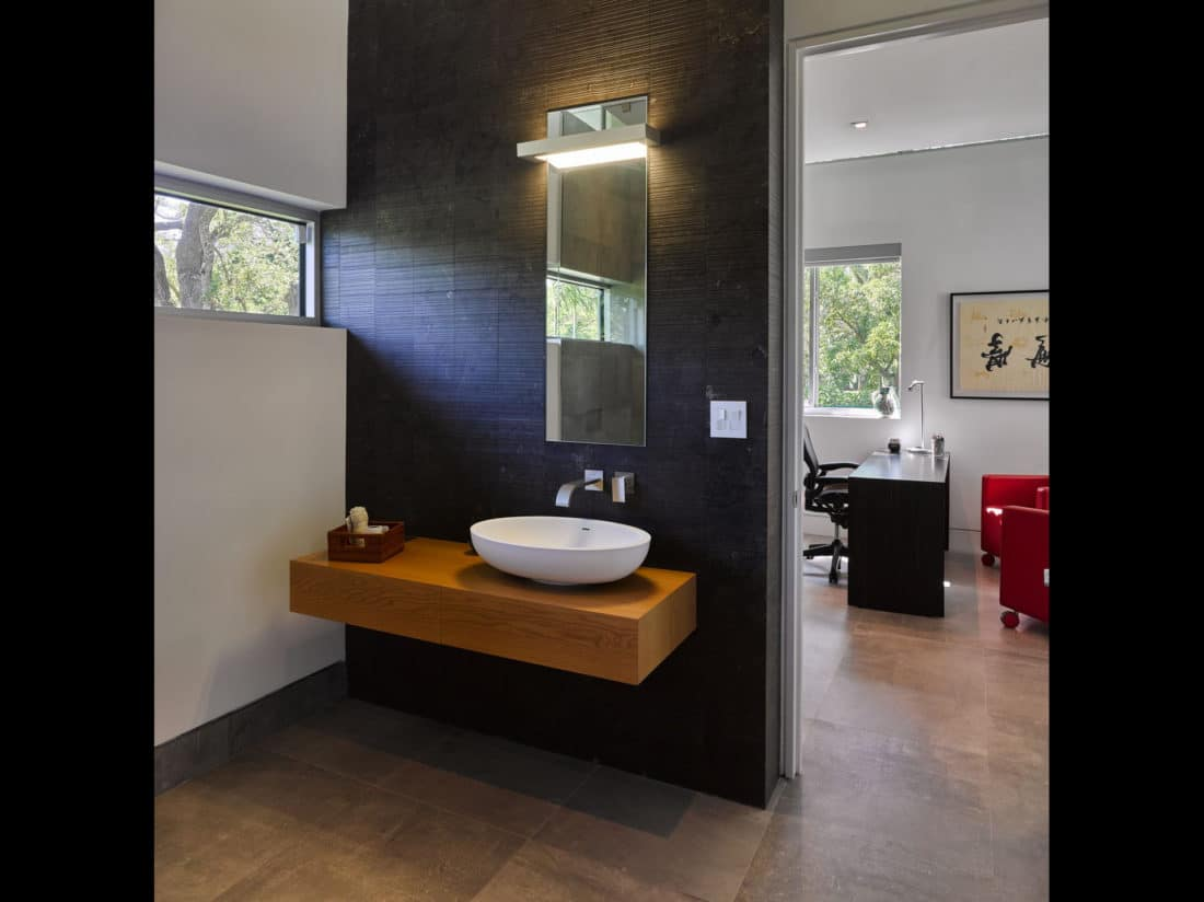 Modern sink area