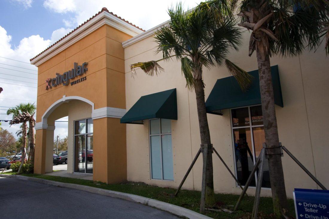 Doral Pointe Shopping Center-00