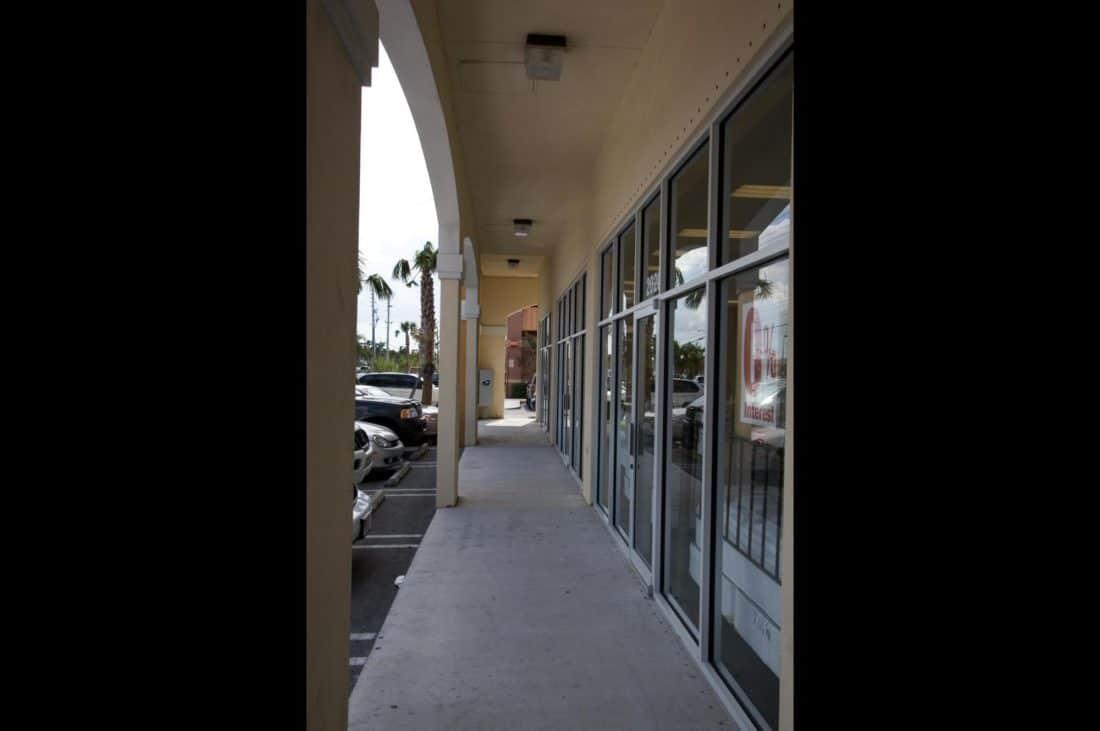 Doral Pointe Shopping Center-05