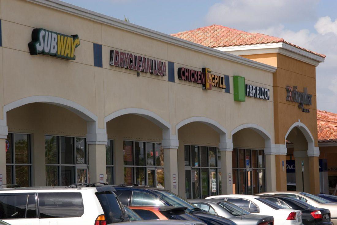 Doral Pointe Shopping Center-07